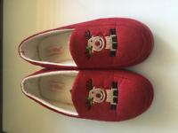 Woman's slippers size 7