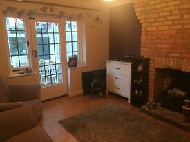 Double bedroom in beautiful house Winton