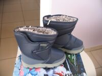 Snow boots adult size UK 2 & infant size UK 10