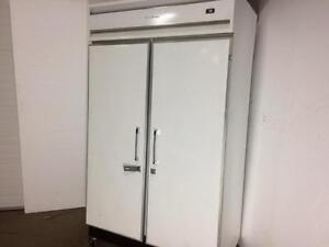 Commercial Cooler Refrigerator - Coldstream Double Solid Door - iFoodEquipment.ca