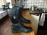 Motorcycle boots -Ladies size euro 39 leather as new
