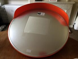 Outdoor convex mirror for turning