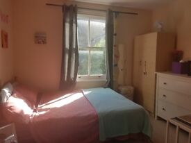 HAMMERSMITH SHORT/LONG STAY DOUBLE ROOM AVAIL in HOUSE SHARE