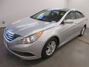 2014 Hyundai Sonata GL- BLUETOOTH! ALLOYS! HEATED SEATS!