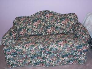***GREAT DEAL- AS NEW***MINT CONDITION  LOVESEAT*** Stratford Kitchener Area image 1