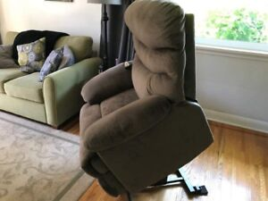 2 electric lift chairs