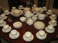 SUMMER CHINTZ 1980's TEA SERVICE 70 pieces