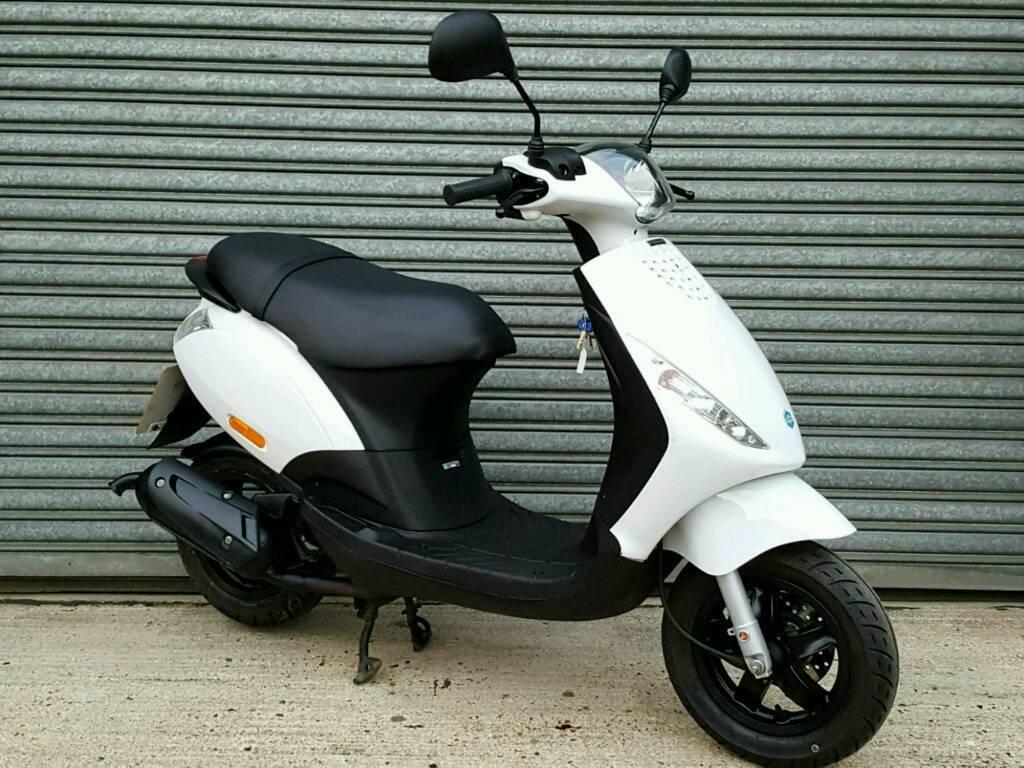 2013 PIAGGIO ZIP 50cc *ONLY 2,000 MILES*