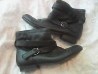 Ladies boots all size 5 £1 a pair (need gone)