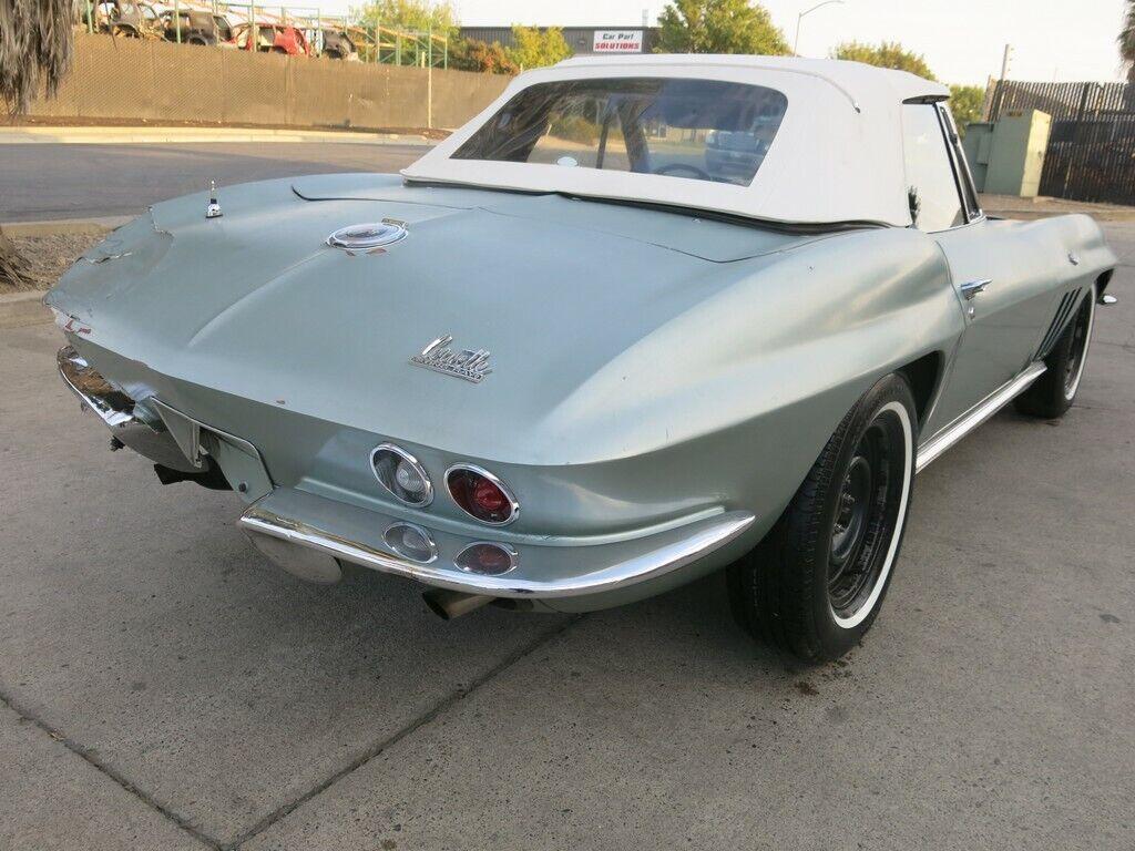 1966 Gray Chevrolet Corvette Stingray    C2 Corvette Photo 1