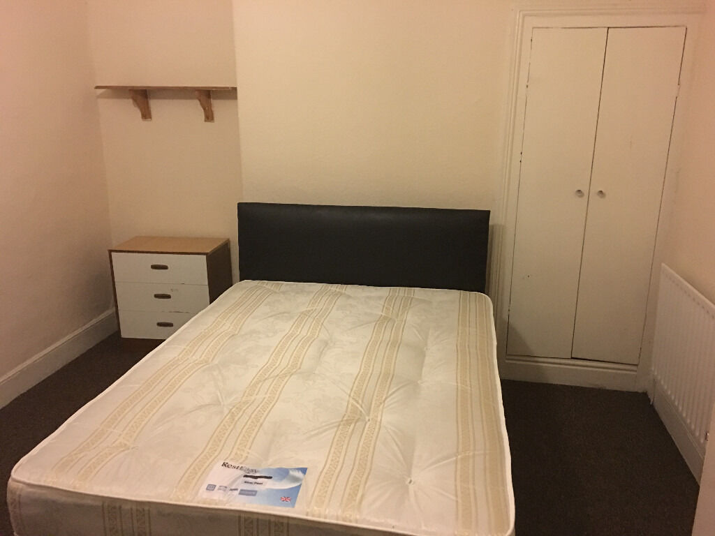 New For Couples In The Bedroom 2 Double Roomsgood For Couplesnew Bedclose To Uni And Hospital