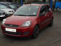 FORD FIESTA 1242cc STYLE CLIMATE 3 DOOR HATCH 2007-07, RED, LOOK ONLY 79k AND 2 FORMER KEEPERS