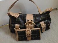 Guess handbag and matching purse