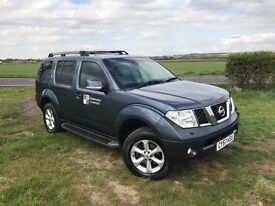 Nissan 4x4 pathfinder 7 seater sat nav air con nice and clean van SUV off road family car