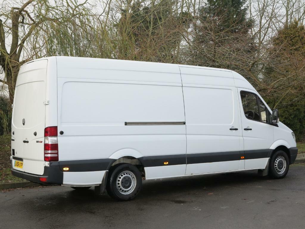 CHEAP MAN WITH A VAN LWB EXCELLENT SERVES CALL 07533396940