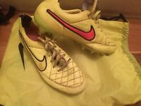 Women's NIKE football boots!!