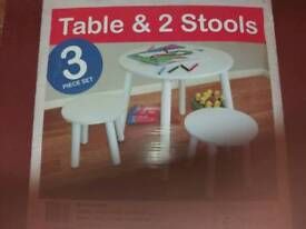 Kidsaw Table and 2 Stools
