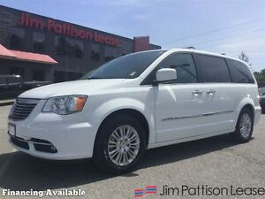 2016 Chrysler Town & Country Limited w/nav, leather, dvd + more