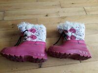 Trespass Girls snow boots size 31 (UK12)