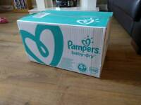Pampers size 4+ 152 nappies