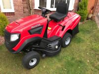 MOUNTFIELD 1640H LAWN TRACTOR. NEW 2016. LESS THAN 10HRS USE.