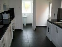 Immaculate 2 bedroom house in very good condition throughout, large room sizes and period features