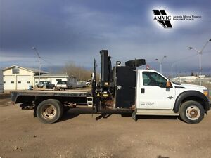 2012 Ford Super Duty F-550 4WD DIESEL  PICKER TRUCK
