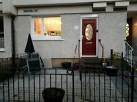 Double room to let in maryhill area available 1st of Aug