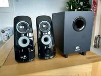 Logitech 2.1 Speakers and Subwoofer
