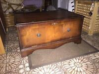 Antique style tv unit cabinet stand television