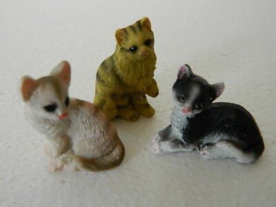 (G5.13) DOLLS HOUSE RESIN SET OF THREE  ASSORTED CATS