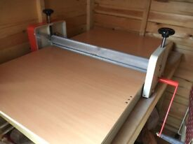 Table top slab roller, adjustable height, no shims, no legs