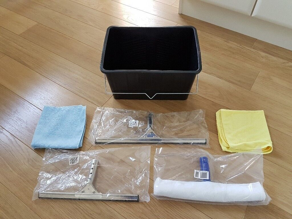 Window cleaning kit - bucket, squeegee blade, microfibre cloth