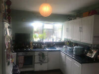 PART FURNISHED 3/4 BEDROOM HOUSE WITH GARDEN IN HILLINGDON UB10 , DSS WELCOME .