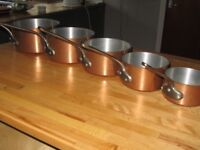 ORIGINAL UNUSED FRENCH COPPER PANS, ALUMINUM INSIDE, BRASS HANDLES. VERY HEAVY. SET OF 5