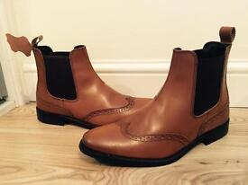 Brown leather dealer boots size 7 brand new