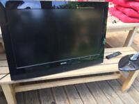 "32"" tv with control remote"
