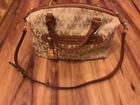 Michael Kors handbag. Signiature Calista satchel shoulder bag