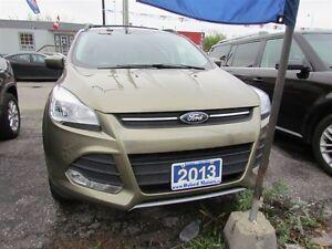 2013 Ford Escape SE | AWD | HEATED SEATS | BLUETOOTH | SAT RADIO London Ontario image 2