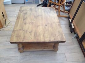 Large and very solid chunky coffee table 90x120cms