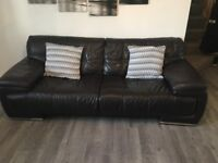 SOFOLOGY ITALIAN LEATHER SOFA SUITE LARGE 3 & 2 VERY COMFY REAL LEATHER