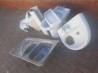 Sink/toilet^taps