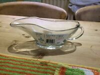 Anchor glass 10olz gravy boats ovenproof