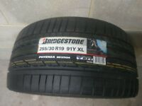 255/30/19 Bridgestone Potenza RE050a RFT Run Flat - New