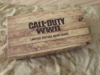 Call of Duty WWII - gear crate and poster
