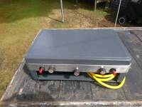 Hi-gear portable 2 gas burner and grill