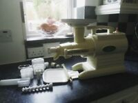 Emigrating hence excellent price, Green Star GS-3000 Delux Twin Gear Juicer