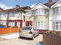 3 Bedroom End Of Terrace House available to LET Feltham Driveway Parking Rear Garden