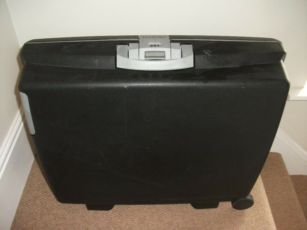 Black Equator Hard-Shell Full-Size Wheeled Suitcase with Built-In