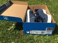 Adidas navy campus trainers unisex size 7